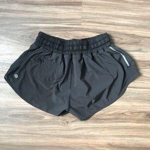 Lululemon Athletica shorty Hot Shorts Size 4 Black